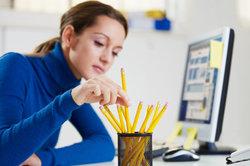 Als Bürokauffrau arbeiten Sie überwiegend am Schreibtisch.