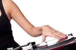 So mixen Sie verschiedene Tracks mit dem AudioMixer.