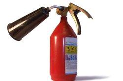 Entstehungsbrände löschen Sie effektiv mit einem Feuerlöscher.