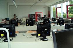 Berufsschulen bieten ein modernes Arbeitsumfeld.