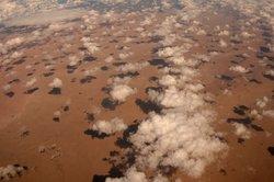 Eine Aufnahme der Sahara aus der Luft.