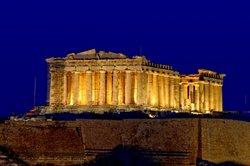 Sirtaki tanzt man auch in Griechenland.