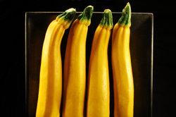 Zucchini für die Soße