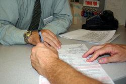 Lassen Sie sich die Übergabe der Fahrzeugpapiere ausdrücklich bestätigen.