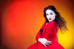 Vampirin Bella gibt ein tolles Kostüm ab.