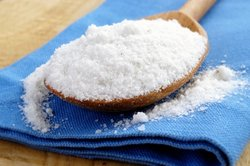 Kochsalz gehört zu den echten Elektrolyten.