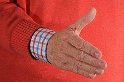 Shake-Hands nach erfolgreich bestandenem Einstellungstest