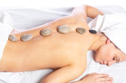Entspannung tut bei Nackenbeschwerden gut.
