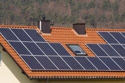Solarenergie ist mit Pufferspeicher sinnvoller zu nutzen.