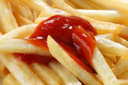 Tomaten und Tomatenketchup enthalten viel Histamin.