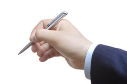 Nebenvereinbarungen sollten als Zusatz zum Arbeitsvertrag festgehalten werden.