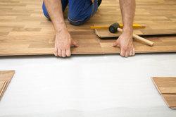 Feuchtraumlaminat - auf die saubere Arbeit beim Verlegen kommt es an!