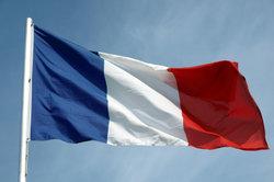 Die Einwohner von Frankreich sind stolz auf ihre Tricolore und auf ihre Sprache.