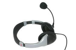 Jedes handelsübliche Headset lässt sich mit der PS3 verbinden.