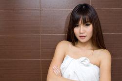 Nackt beim Duschen - so überwinden Sie Ihre Scham im