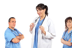 Gehalt der Krankenschwester steigt mit Qualifikation und Leitungsverantwortung.