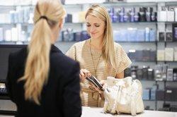 Als Verkäuferin einen Stundenlohn nach Tarif zu bekommen, hat viele Vorteile.