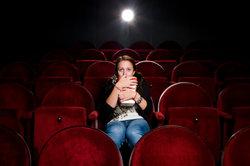 Auch wenn es mal nicht so gut besucht ist, in einem Kino gibt es viele Jobs.