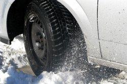 In schneereichen Regionen sind Winterreifen vorgeschrieben.