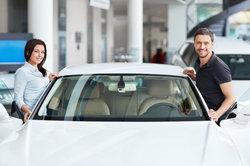 Bei einem Jahreswagen kann man eine Menge Geld sparen.
