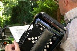 Mit dem Akkordeon kann man nahezu jedes Lied erlernen.