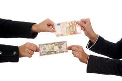 Sortenkurse der Bank entscheiden beim Geldumtausch, wie viel es ausgezahlt gibt.