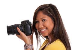 Mit einem Filmscanner können Sie analoge Fotos scannen.
