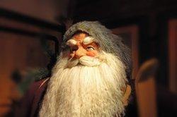 Ein Bart für Fasching lässt sich aus den unterschiedlichsten Materialien herstellen.