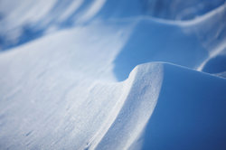 Instant-Schnee sieht täuschend echt aus.