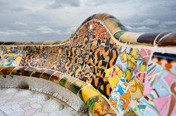 Kreative Fliesenleger kreieren tolle Mosaike aus Fliesen.