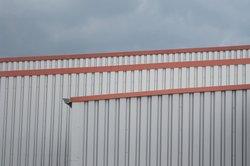 Trapezblech eignet sich gut zur Verwendung als Wandkonstruktion.