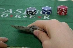 In der Spielbank Bad Neuenahr kann man neben Poker auch an Automaten spielen.