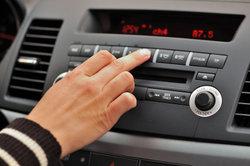 Einige Autoradios sind schwierig durch Fremdfabrikate zu ersetzen.