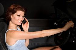 So wird's teuer - Telefonieren ohne Freisprechneinrichtung.