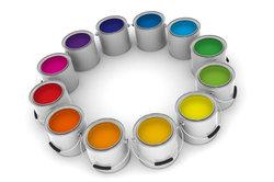 Farbe gehört zu den Arbeitsmaterialien eines Malers.