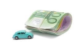 Lassen Sie sich Dienstreisen mit eigenem Auto vom Arbeitgeber bezahlen.