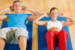 Die Bauchmuskelpartie kann man effektiv trainieren.