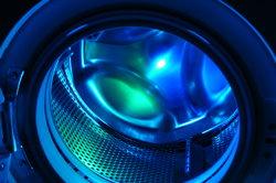 Verleihen Sie Ihren Textilien mit Simplicol eine neue Farbe mithilfe der Waschmaschine