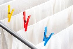 Weiße Wäsche benötigt eine spezielle Reinigung.