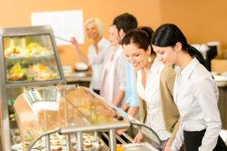 Geldwerte Sachleistungen des Arbeitgebers sind steuerpflichtig.