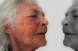 Der Beruf der Altenpflegerin ist nach wie vor gefragt.