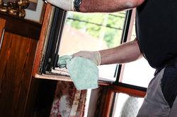 So putzen Sie Fenster richtig.