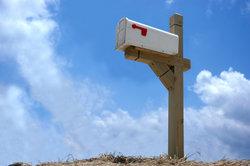 Bauen Sie eine Säule für Ihren Briefkasten.