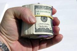 Wie viel verdient eine Verkäuferin im Einzelhandel?