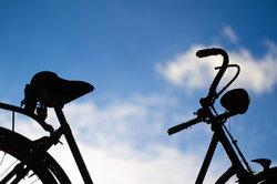 Für behinderte Menschen gibt es Spezialfahrräder.