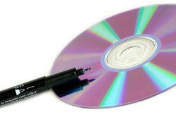 Den UD5005 Marantz Blu-Ray-Player gibt es in Gold, Schwarz und Silber.