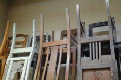 Restaurieren Sie in Ihrer Werkstatt alte Möbel.