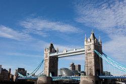 Die Tower Bridge sollten Sie unbedingt sehen.