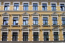 Die Fassadenreinigung mit Trockeneis ist eine besonders schonende Methode.