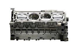 Der BMW 320i besitzt einen Reihenvierzylindermotor.